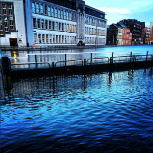http://www.independent.ie/irish-news/cork-city-quays-break-banks-at-high-tide-29970680.html